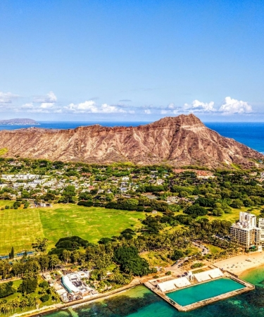Beautiful beach on Oahu with Diamond Head crater in the background