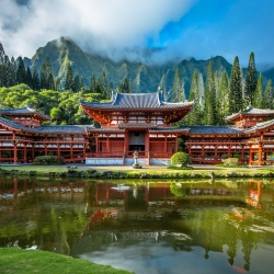 Beautiful view of Byodo-In Temple in the Valley of the Temples on Oahu
