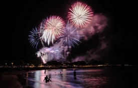 Fireworks on the Beach, Oahu Holidays
