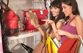 Women Shopping, Oahu Shopping