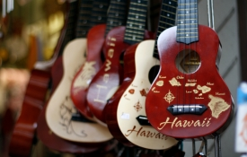 Ukuleles, Oahu Shopping
